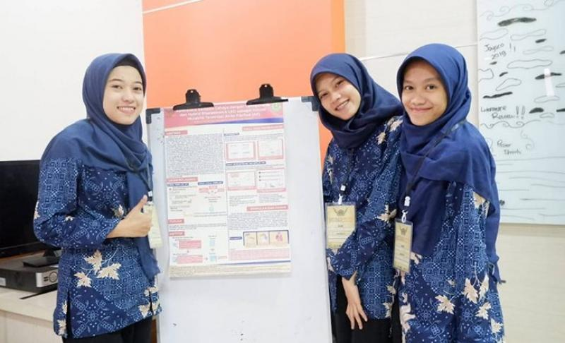 Fona Qorina wins National scientific review competition in home country of Indonesia